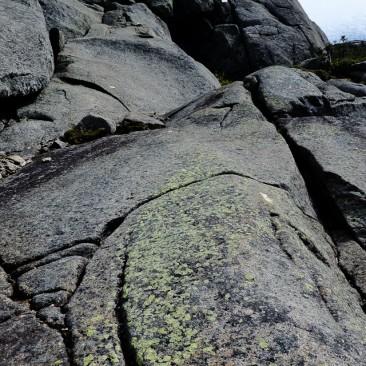 Saddleback cliffs